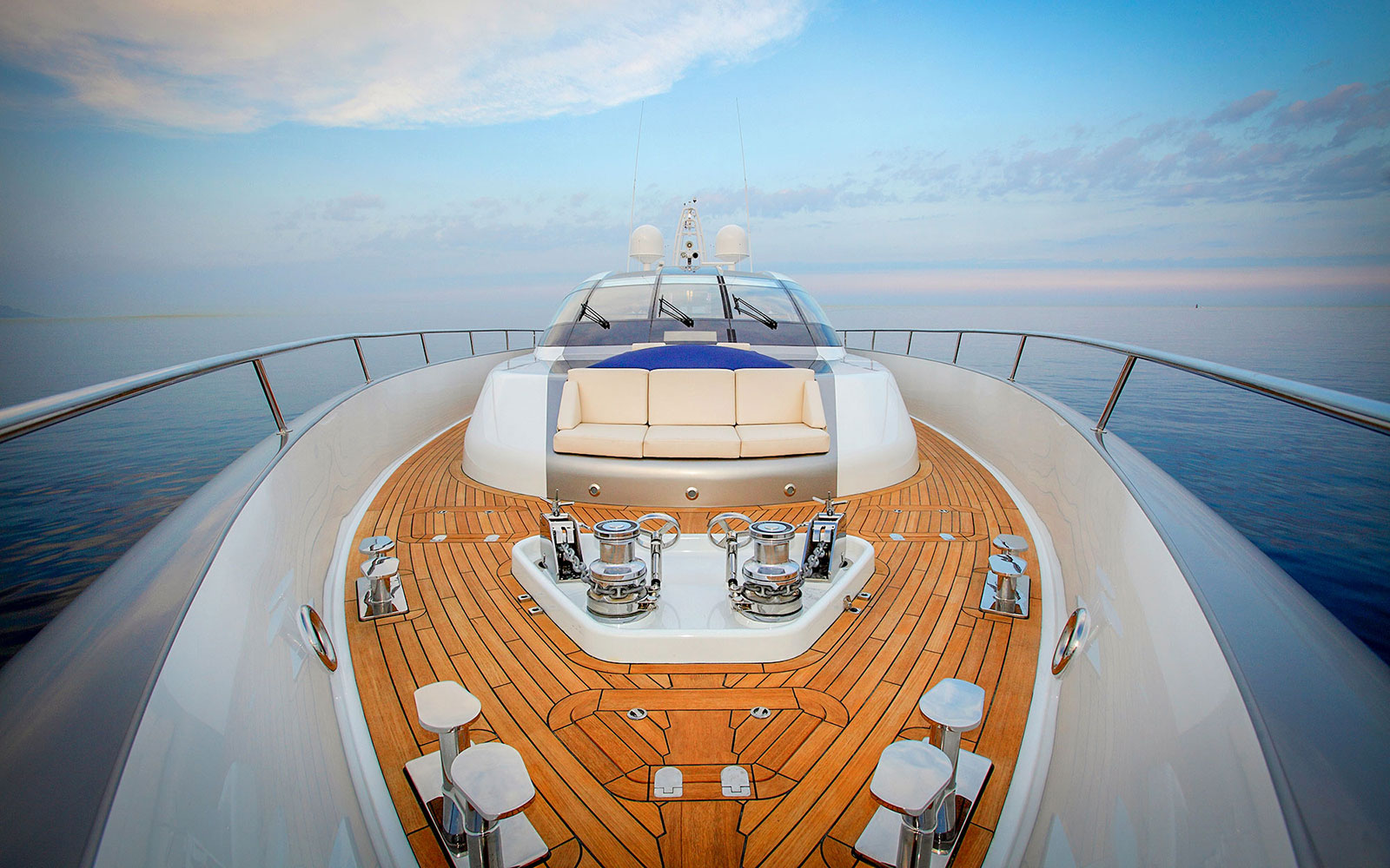 AVIT Superyacht Communications